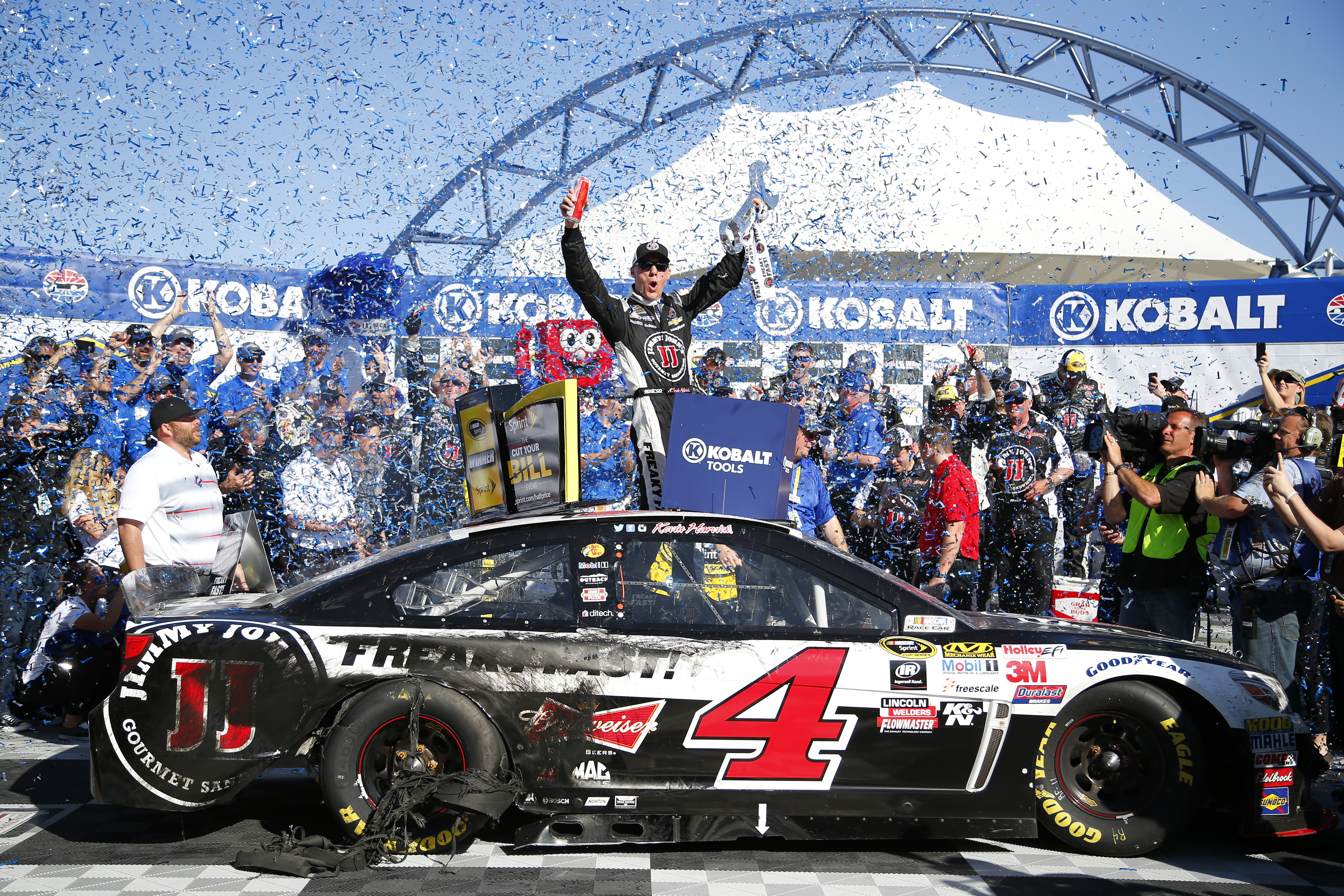 Kevin Harvick Wins: Reigning NASCAR Sprint Cup Series Champion Kevin Harvick