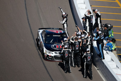 AVONDALE, AZ - MARCH 13: Kevin Harvick, driver of the #4 Jimmy John's Chevrolet, celebrates after winning the NASCAR Sprint Cup Series Good Sam 500 at Phoenix International Raceway on March 13, 2016 in Avondale, Arizona. (Photo by Christian Petersen/Getty Images)
