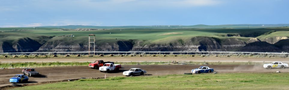 Oval Racing in the Dirt at Dinosaur Downs Speedway in